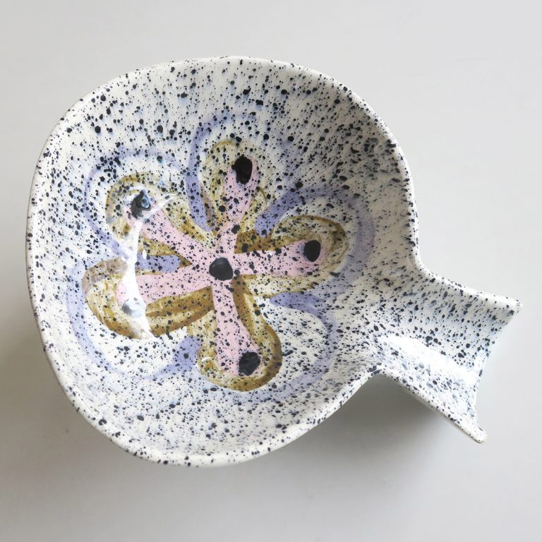 fantail bowl with flower